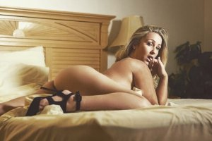 Feryel erotic massage and live escort