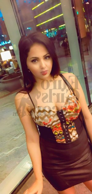 Zohra escort in St. Joseph Missouri and nuru massage