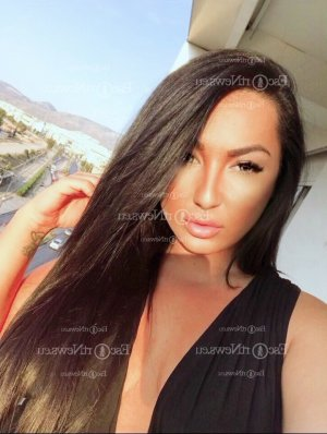 Chahra live escort in North Valley